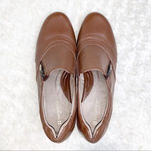 Brown Leather Naturalizer Slip on Loafer Shoes
